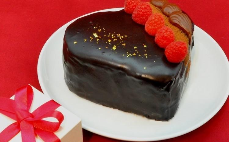 バレンタイン&バースデーケーキの予行演習♪ チョコケーキデコレーション