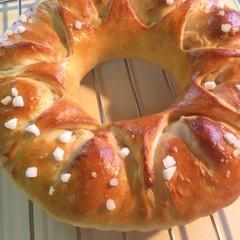 ケーキみたいに可愛い、手作りアーモンドクリーム入ったリングパン♡