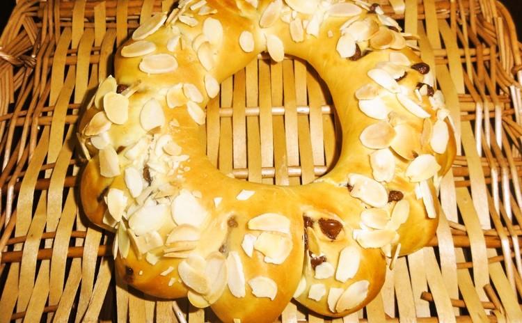 白神こだま酵母で作る~クリスマスのチョコチップリング&きらきら星パン~