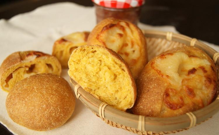 栄養満点!ホシノ天然酵母でにんじんの丸パンとにんじんダブルチーズクッペ