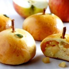 アップルカスタードで味もcute見た目もキュートなりんごパン