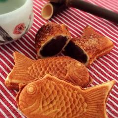 クロワッサン生地でメデ鯛焼き 餡にはこしあんと栗きんとんをたっぷり