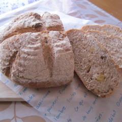 国産小麦を使って~外は、パリッ!中は、もっちり!グラハム胡桃ぱん~!