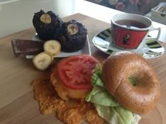 料理レッスン写真 - グラハムベーグル(チーズメルトサンド付)と濃厚チョコバナナマフィン