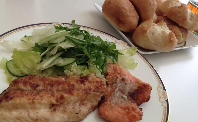 初心者向♪こねない簡単パン作り!魚料理&サラダ!ランチ付
