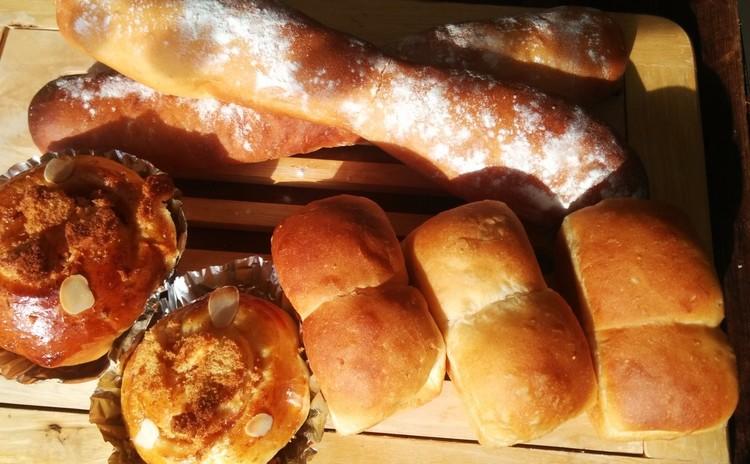 自動パン焼きを使って、ごしごし五種類のパンを美味しく焼きましきましょう