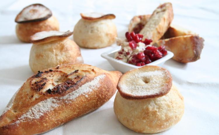 自家製酵母パン!シャンピニオン&クランベリークリームチーズのハードパン