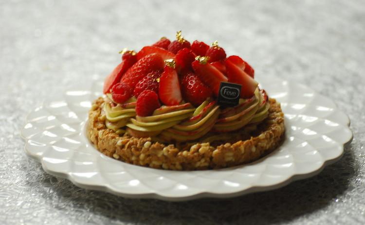 イチゴがいっぱい!タルト生地なし!イチゴとピスタチオのタルト
