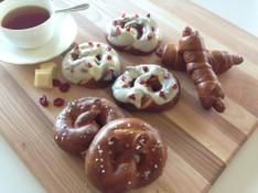 料理レッスン写真 - プレッツェル祭り!クランベリーホワイトチョコ&プレッツェルドッグ&海塩