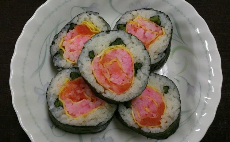 ミニ栄養講座付き!薔薇の巻寿司と骨粗少症予防の大豆と煮干しの簡単おやつ