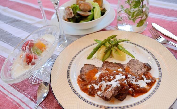 おうちがビストロ!牛肉の赤ワイン煮込み&旬野菜とアサリのビール蒸し