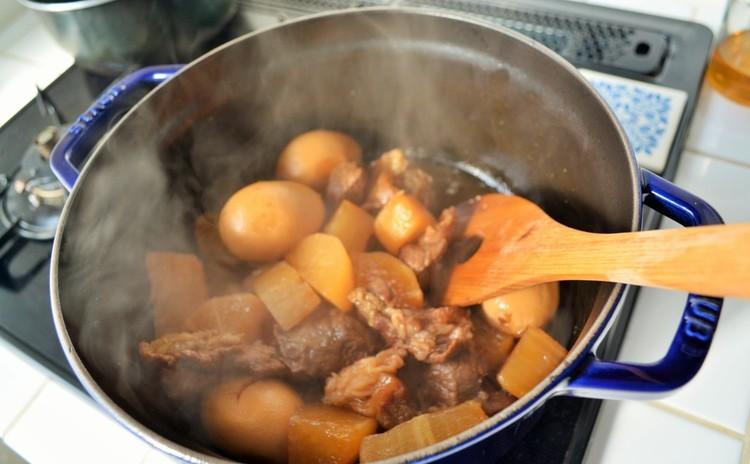 すじ肉と大根煮タマゴ