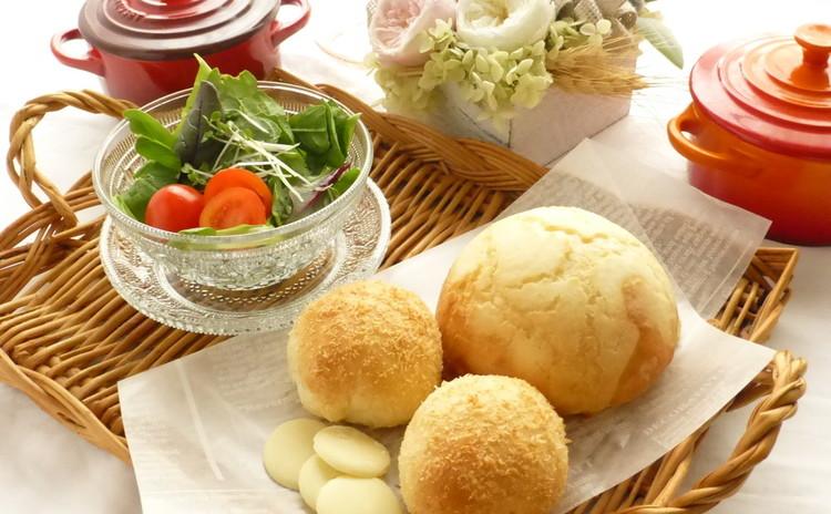今話題のジャーサラダとぴったりなパンを焼いて春ランチしましょ♫
