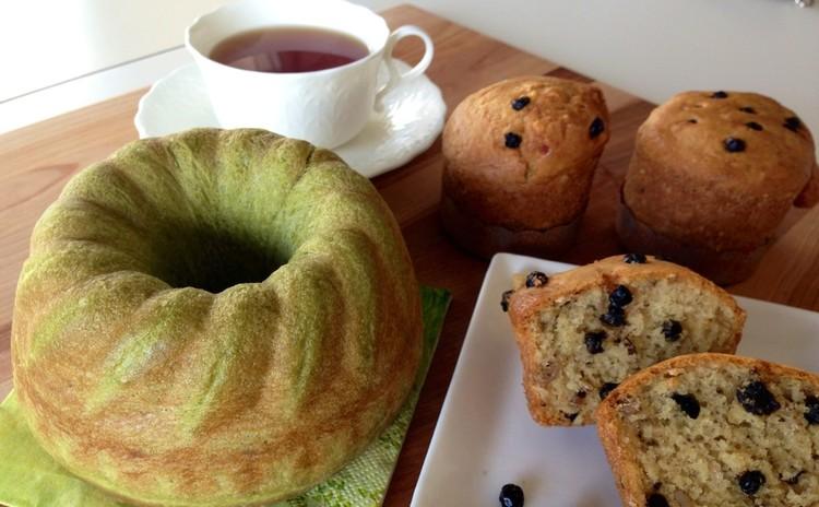 春色抹茶のクグロフパン(天然酵母)とブルーベリー&ナッツマフィン