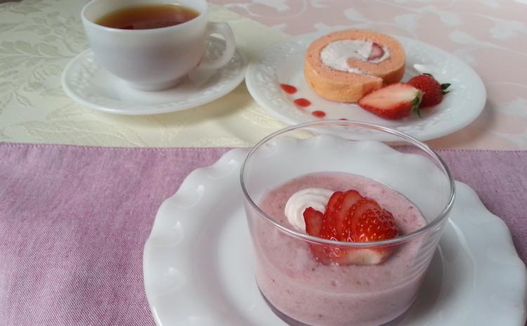 苺クリームとフレッシュ苺のシフォンロールケーキ&いちごミルクゼリー