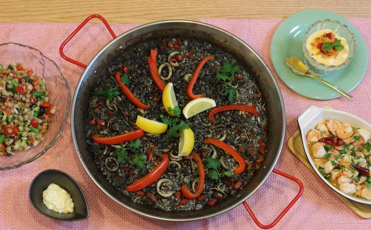 「イカスミのパエージャ&簡単エビのアヒージョ」でスペイン流おもてなし!