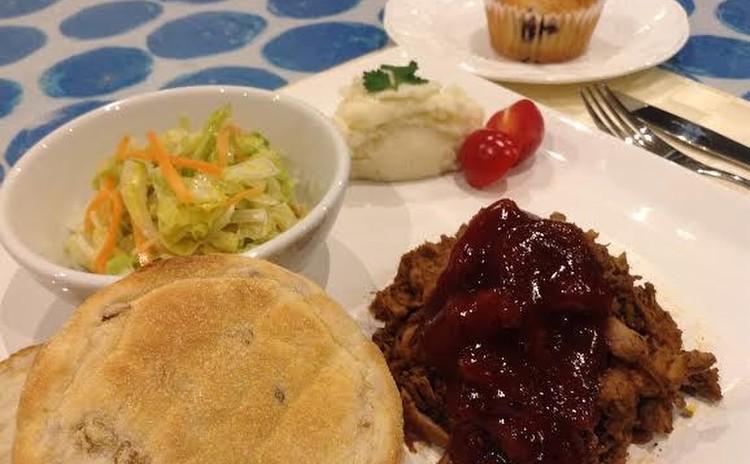 圧力鍋で簡単!ホロホロお肉のBBQプルドポークでアメリカンディナー!