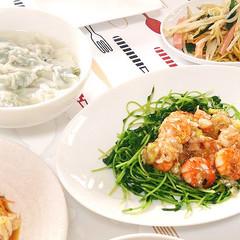 *ヘルシーな和風中華*プリプリ海老の炒め物に水餃子はお野菜たっぷりと!