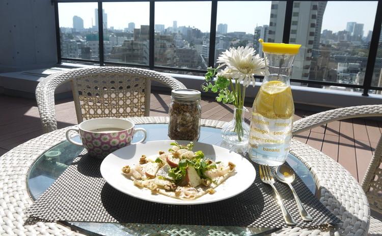 メイソンジャー付グラノーラ&蜂蜜りんごとカマンベールのサラダガレット