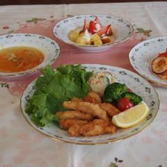 ミニ栄養講話付き!鶏のスティックフライと炊飯器利用のパエリア風ピラフ