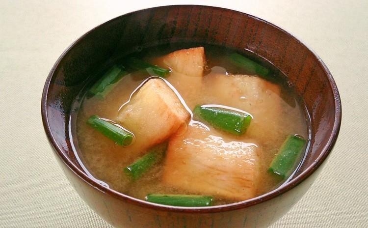 旨味たっぷりあさりご飯と春掘り長いものほっこりお味噌汁、トマトジュレ♪