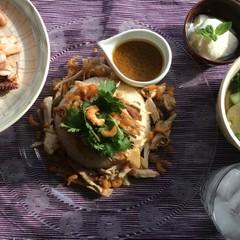 本格的ベトナム料理☆ソイ・ガー(鶏のおこわ)、イカの生レモングラス炒め