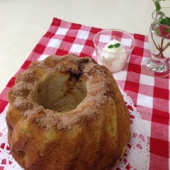 ほのかなパインの酸味と黒砂糖の素朴な甘さがおいしいクグロフパイナップル