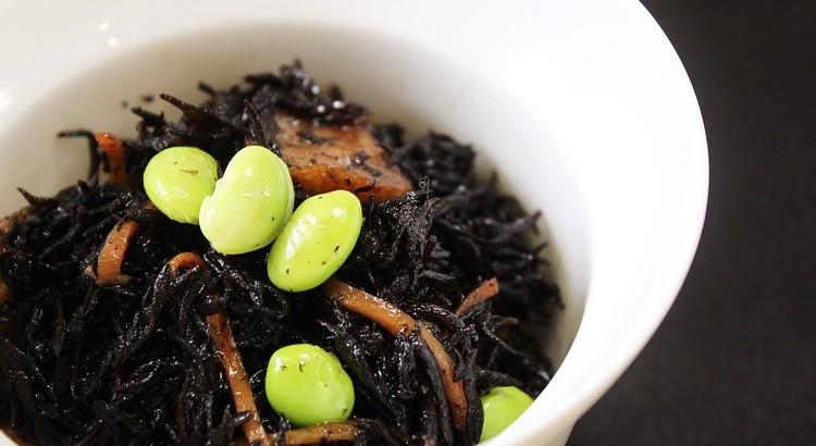 伝統の家庭料理・ひじきの煮物