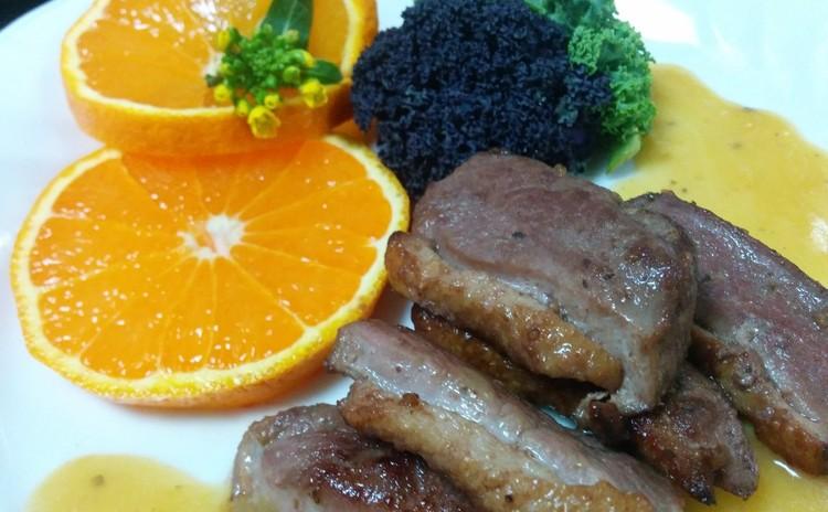 鴨のオレンジソース煮