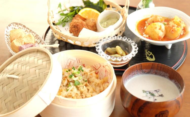 かつおを豪快にフライ!そら豆、新ごぼう「初夏の旬定食」自家製わらび餅付