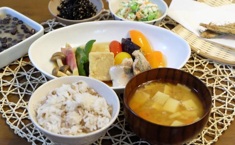 旬のアジを三枚おろし「はと麦ご飯・夏野菜の焼きびたし定食」&水無月