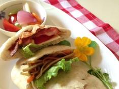 料理レッスン写真 - 暑い夏をのりきる 全粒粉入りピタパン&作ってすぐ食べられる簡単ピクルス