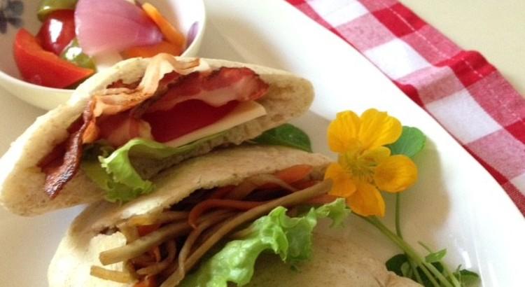 暑い夏をのりきる 全粒粉入りピタパン&作ってすぐ食べられる簡単ピクルス