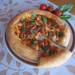 サクッともっちり、耳までチーズin ピッツァ~トマト&アンチョビソース