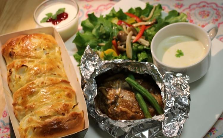 簡単ちぎりパン&ホイル包みのジューシーハンバーグで洋食おもてなし献立♪
