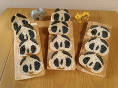 料理レッスン写真 - 切っても×2パンダパン♡バター不使用、話題の竹炭パウダー入健康パン♡