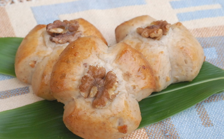 噛みしめるほどほのかな甘味とくるみの香ばしさが広がる~くるみパン