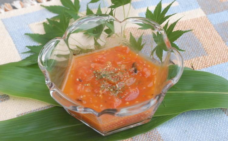 トマトの旨味を凝縮!簡単シンプルトマトスープ