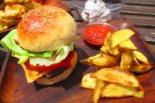 料理レッスン写真 - ごちそうハンバーガー!夏の手作りバーガーコンボ