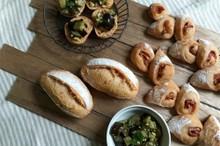料理レッスン写真 - 自家製酵母パン!トマト生地で二種のパン!&ナスのコロコロ酵母マリネ