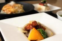 料理レッスン写真 - ジューシー酢豚&天津飯で勝負料理!ぷるぷるワンタンも♪週末・夜あり