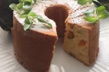 料理レッスン写真 - 「かぼちゃシフォンケーキ」パンプキン色の生地に皮ごとゆでたかぼちゃが!