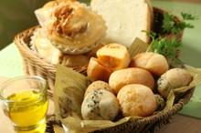 料理レッスン写真 - オリーブオイルで作れるパン①2種のポンデケージョ・食パン・ハニーレモン