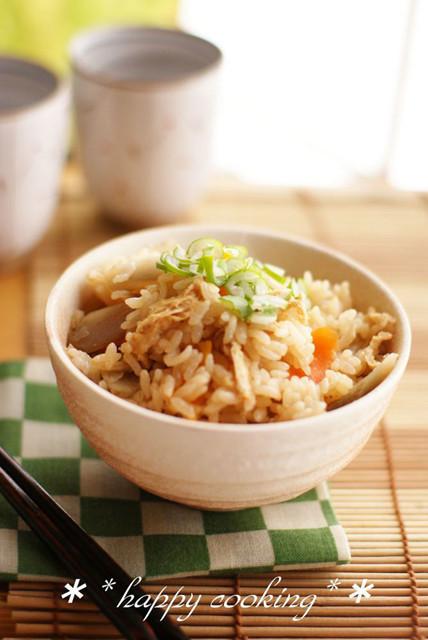 【癖になる!!】ラーメンスープで作る「炊き込みご飯」が想像を超えた美味しさだった!