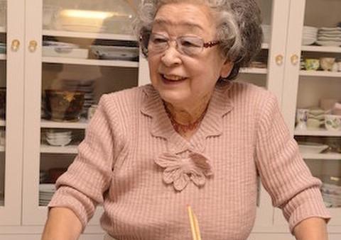 91歳の料理研究家・鈴木登紀子さんに「食材を使い切る」極意を教わろう ...