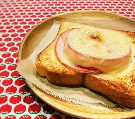 切り方を変えて美しく!「輪切りトマトトースト」を朝食に作ろう!
