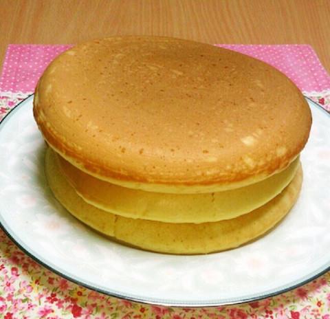 【余った卵白で!】ふわふわ軽〜い「メレンゲホットケーキ」が絶品!