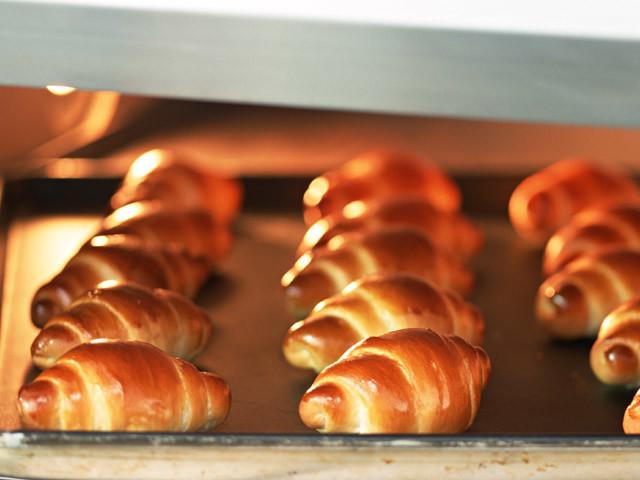 夏はパン作りにトライ!薄力粉だけでふわふわパンができちゃった!