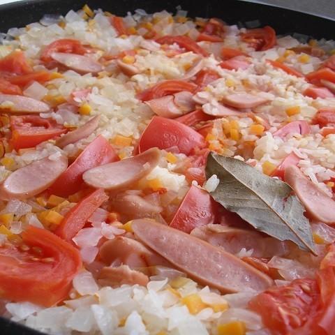 トマトたっぷり!シェアして食べたい華やかパエリア~「MOCO'Sキッチン」より~