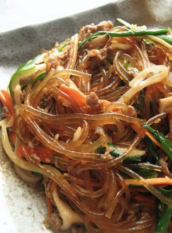 韓国の定番おかず「チャプチェ」は、野菜を【1種類ずつ炒める】のがポイント!